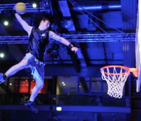dunkers, trampoline dunk, basketball, sport, dunks, dunkers, basketteurs, basketball trampoline