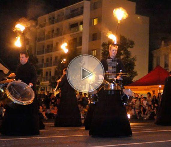 sliding musicians, glissant, mouvant, feu, fire, musique, déambulatoire, animation