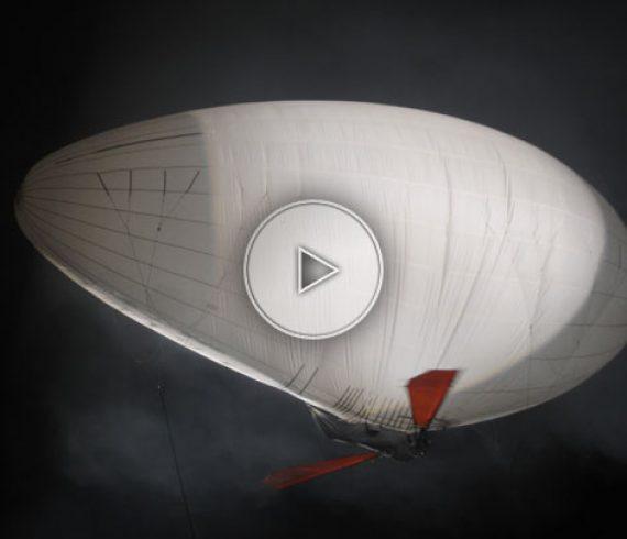 flying machine, machine volante, giant ball, white aerial balloon, ballon aérien géant