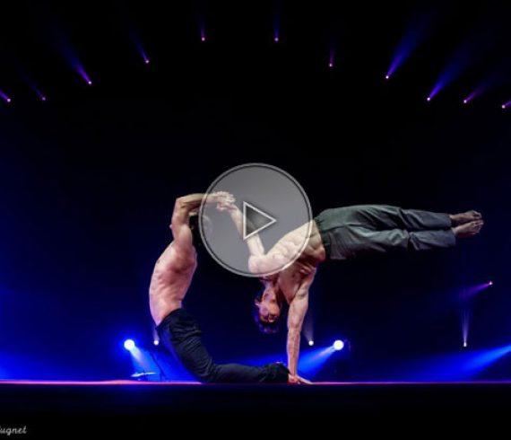 handbalance duo, duo d'équilibristes, main à main, numéro de main à main, handbalance act, handbalance performers