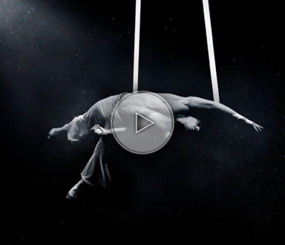 french straps performer, artiste français aux sangles, sangles aériennes, straps act, straps performer, aerial straps