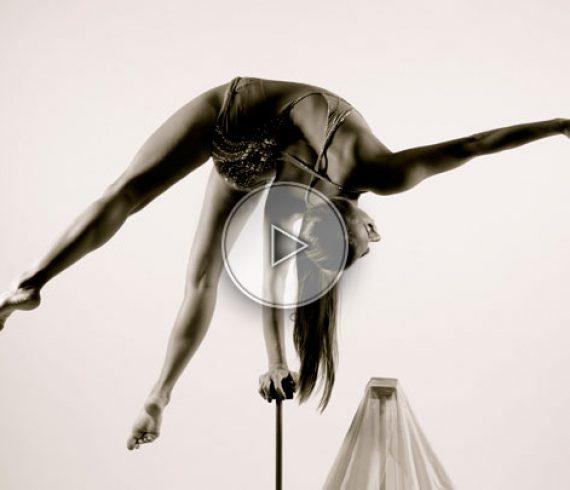 équilibriste sur cannes, acrobate sur cannes, solo sur cannes, élégance sur cannes, artiste sur cannes, allemagne