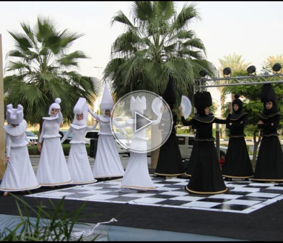 partie d'échecs, animation échecs, échec vivant, artistes d'échecs