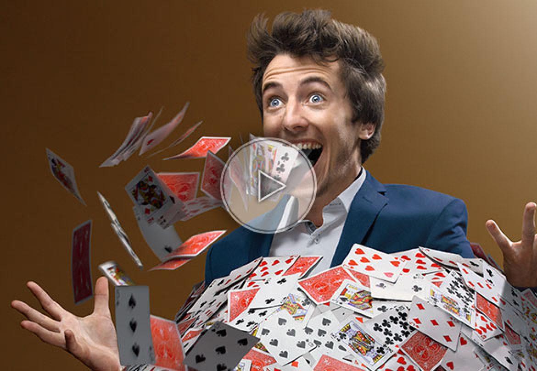 Magicien de close-up Lyon | Magiciens de close-up | Agence événementielle de spectacle | Agence artistique internationale