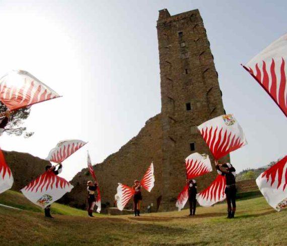 jongleurs drapeaux, artistes aux drapeaux, jongleur aux drapeaux, drapeau, italie