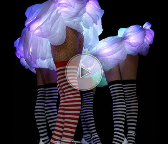 danseuses LED, cosyumes LED, troupe de danseuses, costume LED musical, artistes LED