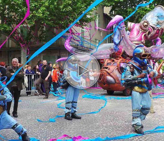 pieuvre géante, spectacle de rue, parade de rue, pieuvre,