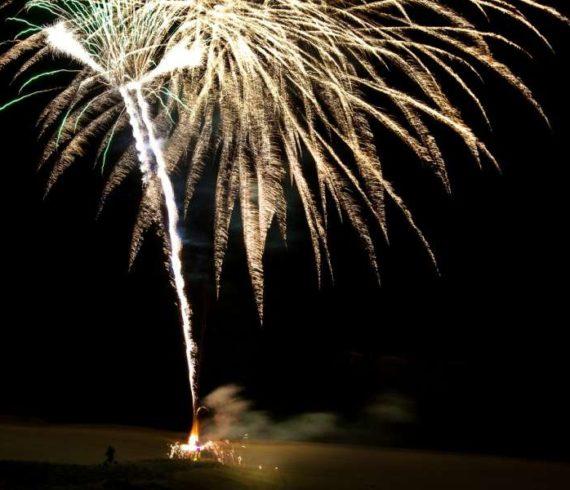 firework man, homme feux, fireworks, feux d'artifices