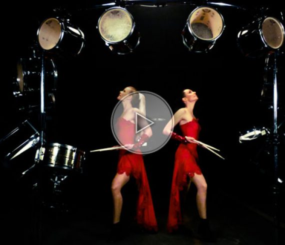 filles aux tambours, tambours, percussions, percusionnistes, filles aux percussions