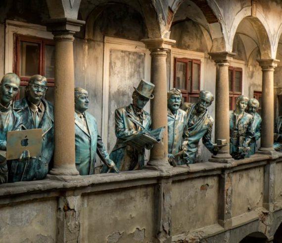 statues vivantes, statue vivante, célébrités statues vivantes, statues célèbres, statue de rue
