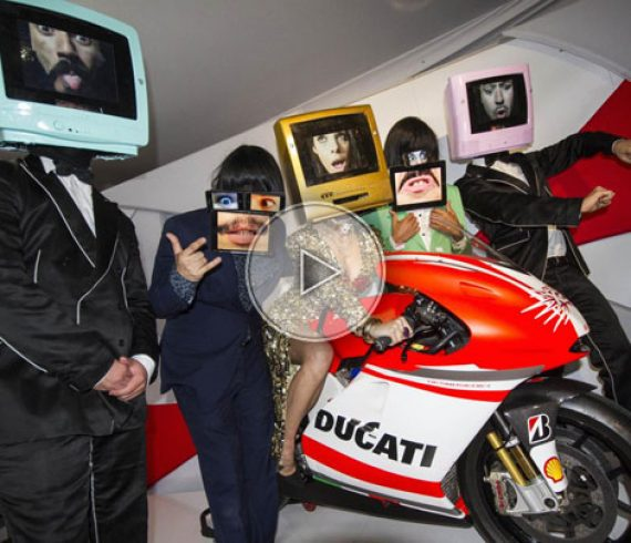 tête de télévision, télévision têtes d'IPAD, Ipad