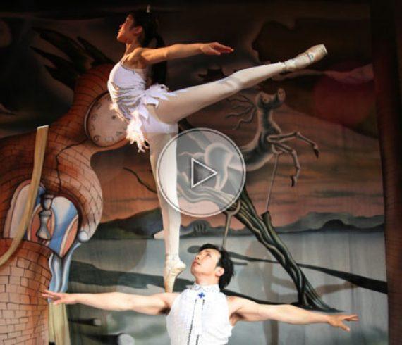 acrobate sur épaule, ballerine, ballerine équilibriste, ballerine sur épaule