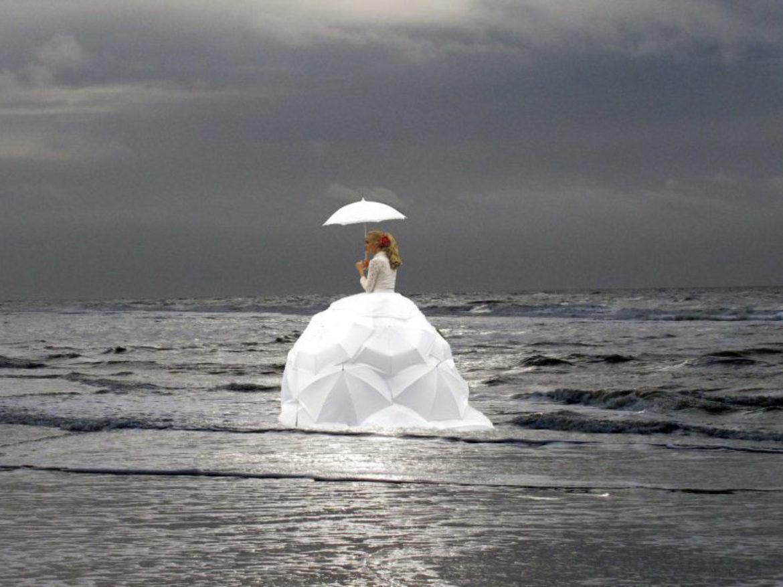 diva sur eau, artiste sur eau, déambulation sur eau, chanteuse sur eau