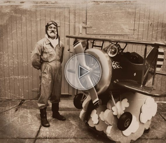 avion nain, avion déambulatoire, animation avion, spectacle avion, avion événementiel