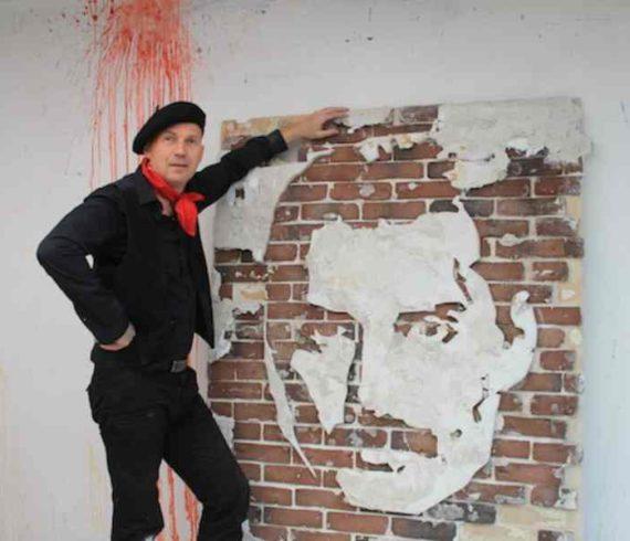 sculpteur rapide, sculpteur de mur, sculpteur performer, graveur sur mur, gravure sur mur, sculpteur de l'extreme