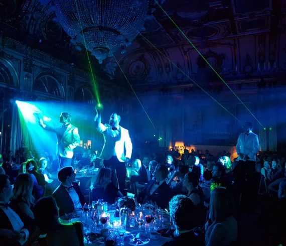 musiciens en smoking, laser, artistes laser, musiciens laser, musiciens technologie