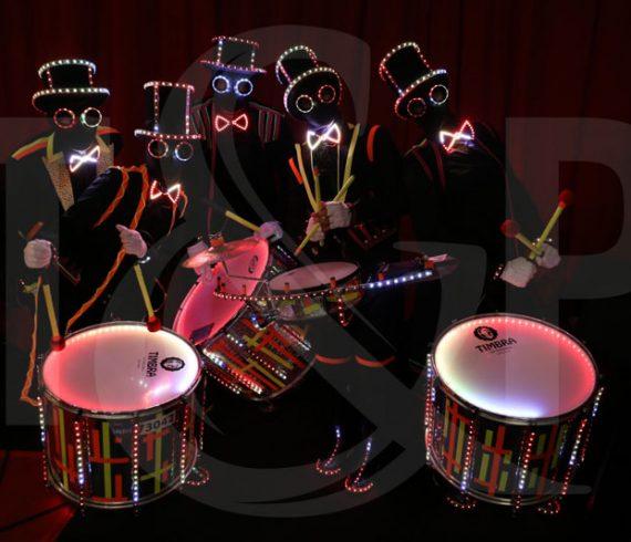 tambours lumineux, bombay, inde, mumbai, percusions, percusionnistes, tambours, artistes lumineux, anniversaire enfants, anniversaire fille