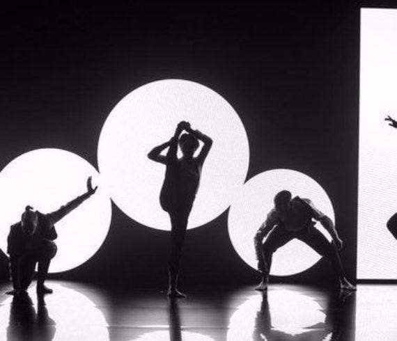 spectacle, danse digitale, mapping video, mapping danseurs, danse numérique, spectacle vidéo, video, danse numérique, projections avec danseurs, projection video