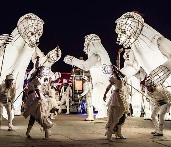 ours polaires, ours, parade, nature, échassiers, parade lumineuse, ours lumineux, évènement noël, évènement hiver, artistes blancs