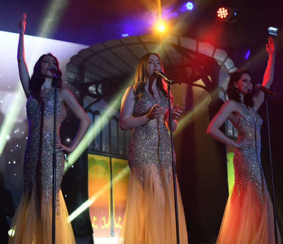 chanteurs d'or, chanteurs d'or femmes, chanteurs britanniques, beaux chanteurs, chanteurs trio, chanteurs trio britanniques