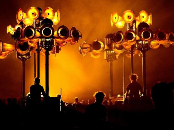 Orchestre mécanique, parade mécanique, déambulation mécanique, parade musicale, déambulation musicale, parade polyphonique, spectacle polyphonique, déambulation polyphonique