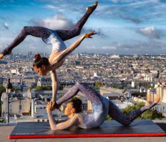 duo de contorsion, contorsionnistes, contortion, paris contorsion, france, contorsionnistes asitiques, asie