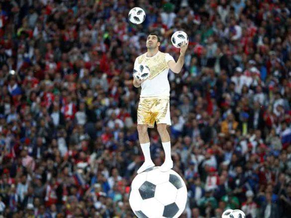 football juggler, football juggling, jongleur de football, jongleur aux ballons, balloons juggler (3)